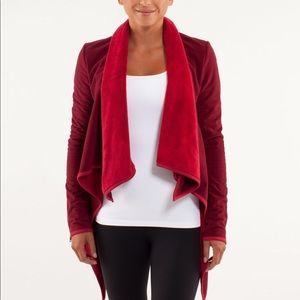 Lululemon Presence Of Mind Jacket Size 4 Cranberry